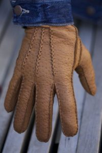 Peccary leather gloves male model