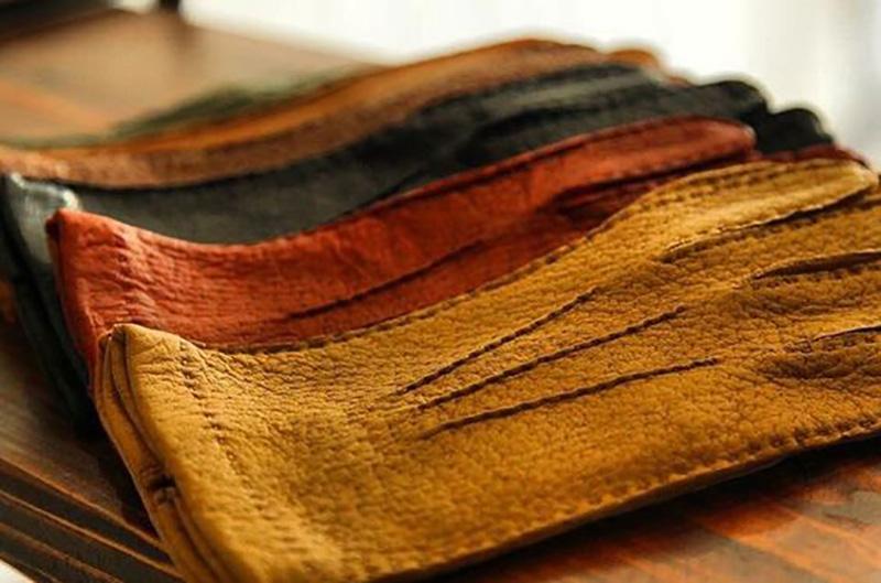 guanti di pelle di pecari a colori